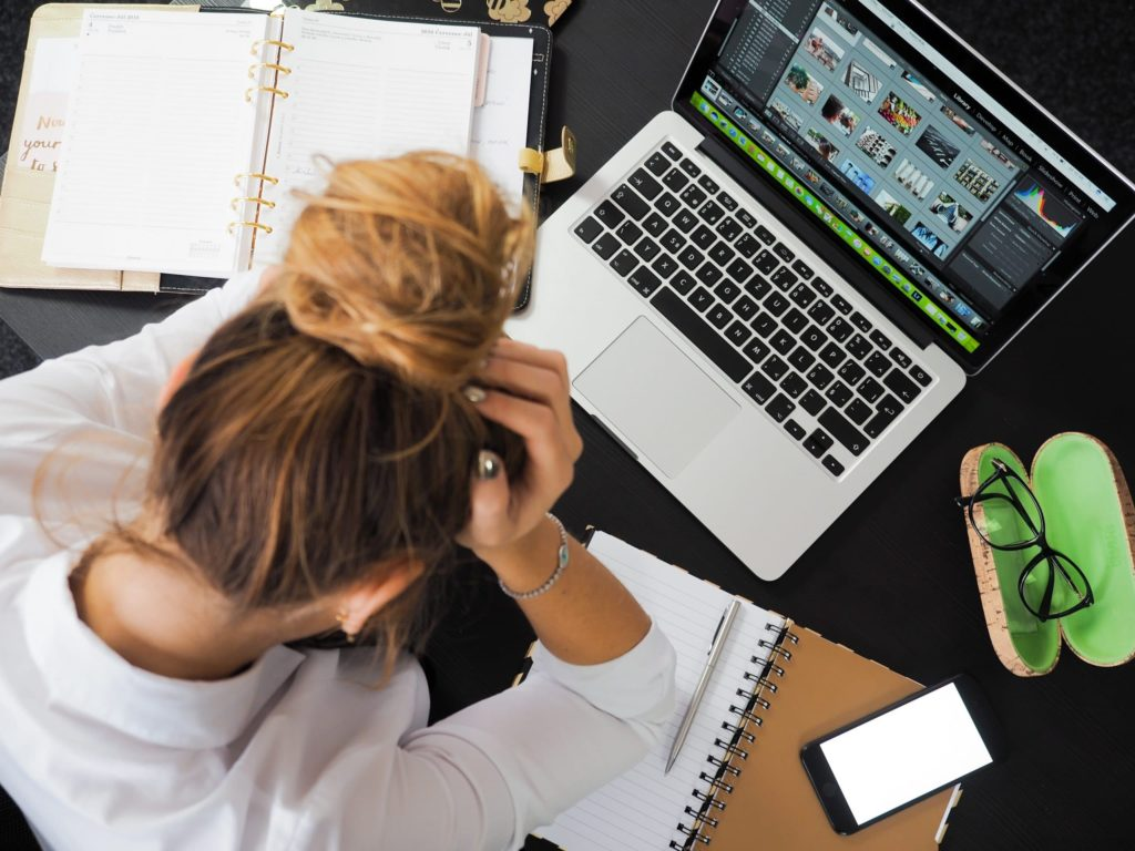 help customers during a social media crisis