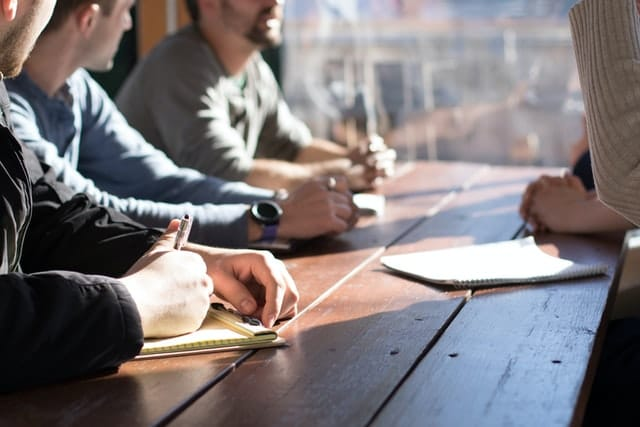 bien-être au travail : parler pour se sentir moins seul